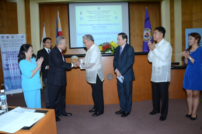 Chief Justice Panganiban Photo