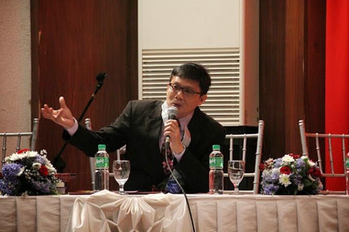 Dean Mikhail Maxino
