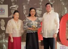 FLP Executive Director Susana N. Gavino flanked by MBFI Trustee Marixi R. Prieto and Metrobank President Fabian Dee
