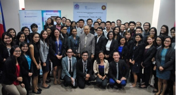 Retired Chief Justice Artemio V. Panganiban and Dean Gemy Lito L. Festin with PUP College of Law students
