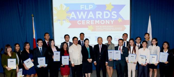 Gov. Tetangco, Mrs. Prieto, and Retired CJ Panganiban with FLP Scholars AY 2018-2019